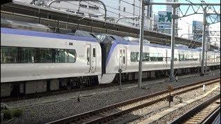新宿駅を中野方面に出発する中央本線特急E353系の回送列車