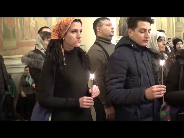 Изображение предпросмотра прочтения – «Студенты из Италии» читает произведение «Девушка пела в церковном хоре» А.А.Блока
