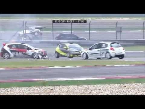 Renault Clio Cup China Series 2016. Race 1 Shanghai F1 Circuit. Crash