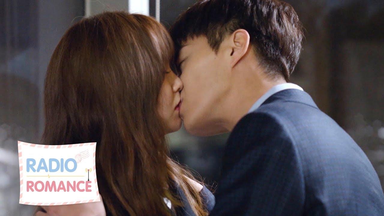 YoonDooJoon kisses KimSoHyun ♥ ♥ [Radio Romance Ep 10]
