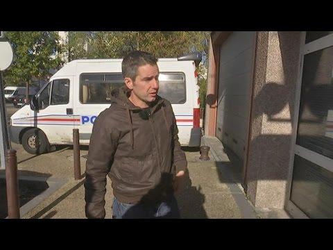 Paroles de policiers: reportage au commissariat des Ulis dans l'Essonne