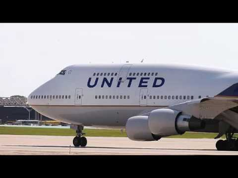 United will now give passengers up to $10,000 to give up their seat