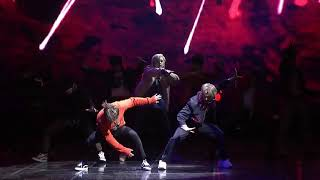 """Stray Kids 'victory song' [Showcase stage] UNVEIL """"MIROH""""LIVE"""