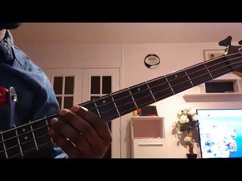 Guitare basse We Testify : Soeur DEBORAH LUKALU
