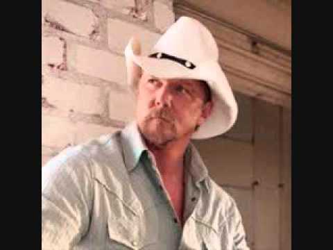 "Trace Adkins (432 Hz) ""Every light in the House"""