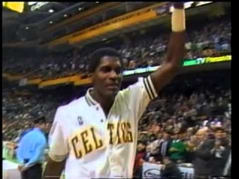 NBA Holding Court - Robert Parish (1994)