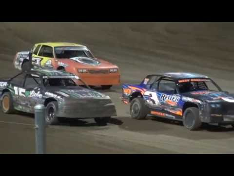 IMCA Stock Car Championship feature Independence Motor Speedway 8/27/16
