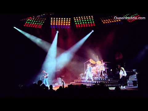 Queen Rock Montreal - We Will Rock You (Fast)