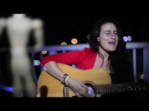 Cómo Puedes - Victoria Solé (Video Oficial)