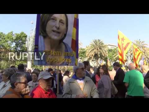 Spain: Catalan pro-independence activists protest as Forcadell heads to Supreme Court