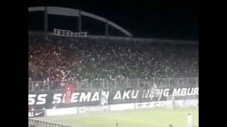 Luar biasa supporter bola ini...  Seruan Solidaritas Muslim