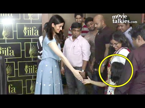 Alia Bhatt's CUTE Gesture To A Little FAN Waiting For Her Since A Long Time