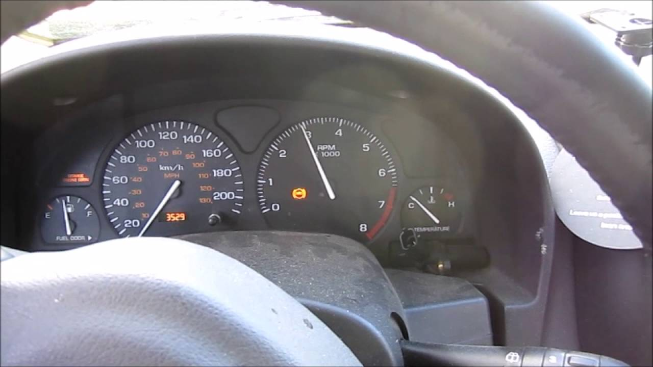 2005 saturn vue warning lights