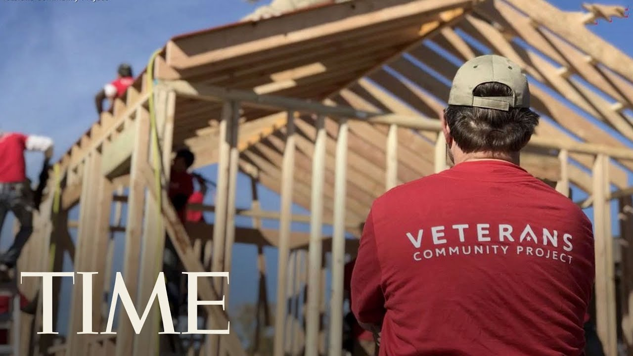This Inspiring Organization Builds Tiny Houses For Homeless Veterans: 'Leave No One Behind'