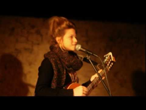 Selah Sue - Raggamuffin (Acoustic) in Montpellier
