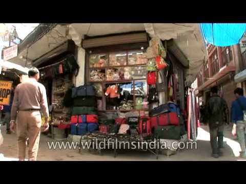 Trinkets, bangles, bags, woolens - All in one place at Ladakh market