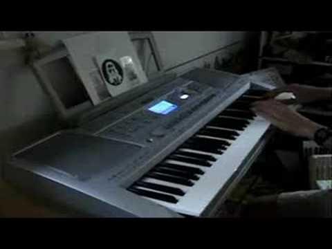 TimeSplitters theme song on a Yamaha Piano