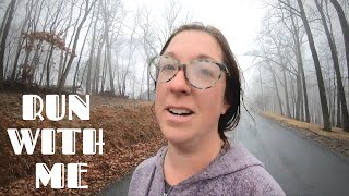 WHAT MARATHON AM I RUNNING? - RUN WITH ME IN THE RAIN AND FOG - RUNNING MOTIVATION