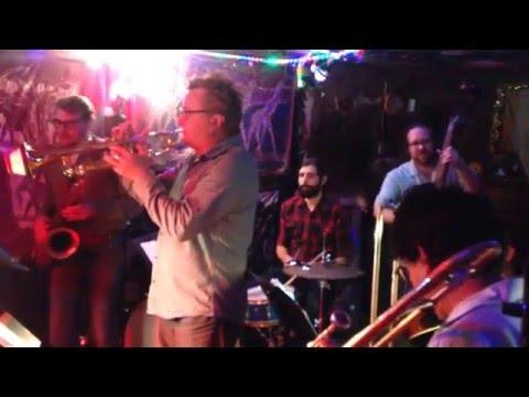 Jonathan Doyle Swingtet - Jumpin' With Symphony Sid