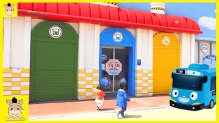 Indoor Playground Family Fun Play Area for kids playing Baby Nursery Rhymes Tayo | MariAndKids Toys