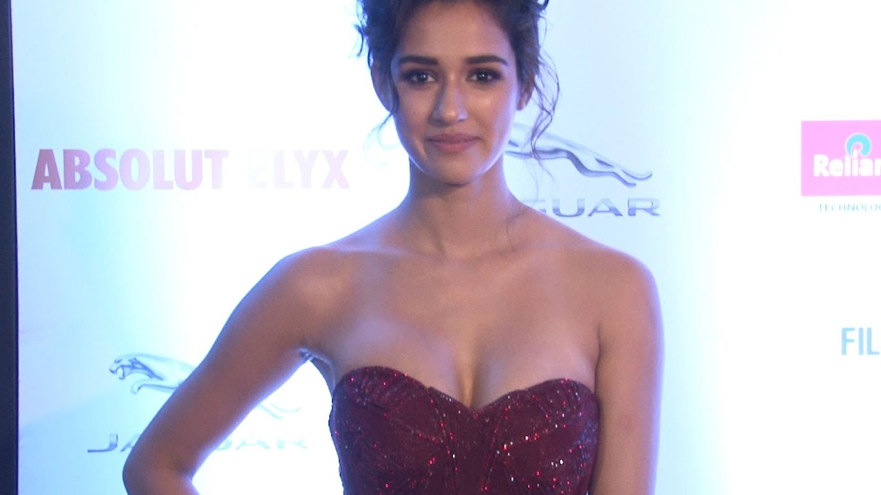 Sexy disha patani looks hot in strapless gown uncensored for See hot images