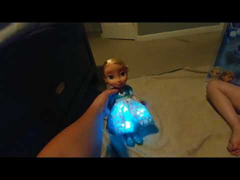 Frozen- Anna and Elsa singing sisters