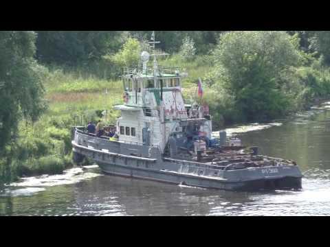 видео: Буксир РТ-392 с баржей 7079