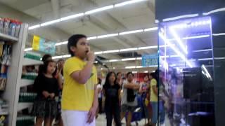 AMAZING KARAOKE BOY SINGS LOVE THE WAY YOU LIE IN GROCERY STORE