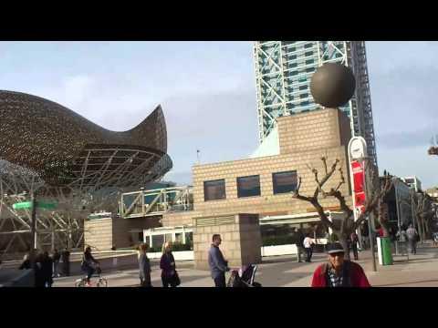 Urban Art Barcelona.Barceloneta.Fish, Frank Gehry.