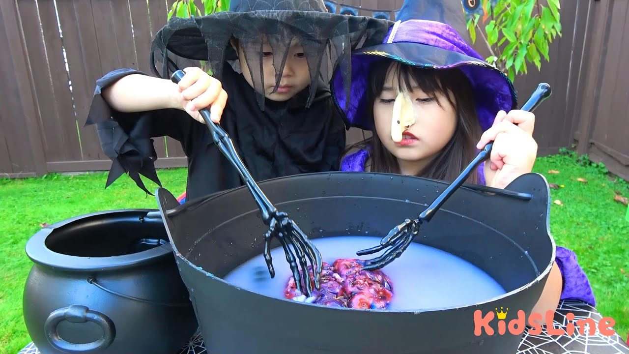 Witch's cuisine Brain soup Gummy worm 魔女の料理 スープ  脳みそグミ?? おゆうぎ こうくんねみちゃん Pretend play cooking Toys