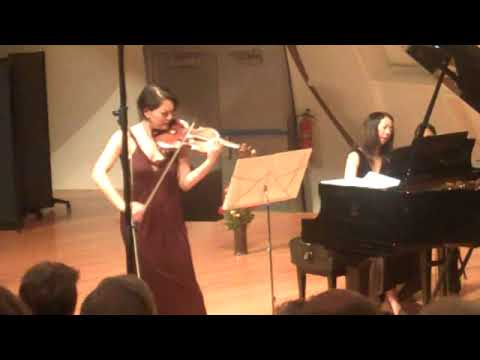 Anne Akiko Meyers performs Autumn in New York