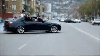 BMW M5 with AK47  تشحيط ودرفت المافيا الروسيه