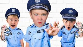 Играет в игрушки - Видео для детей про Полицейскую и Пожарную машины и Скорую помощь
