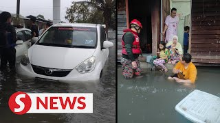 Floods cause Klang residents to evacuate homes