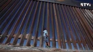 Конгресс CША не нашел денег на строительство стены с Мексикой