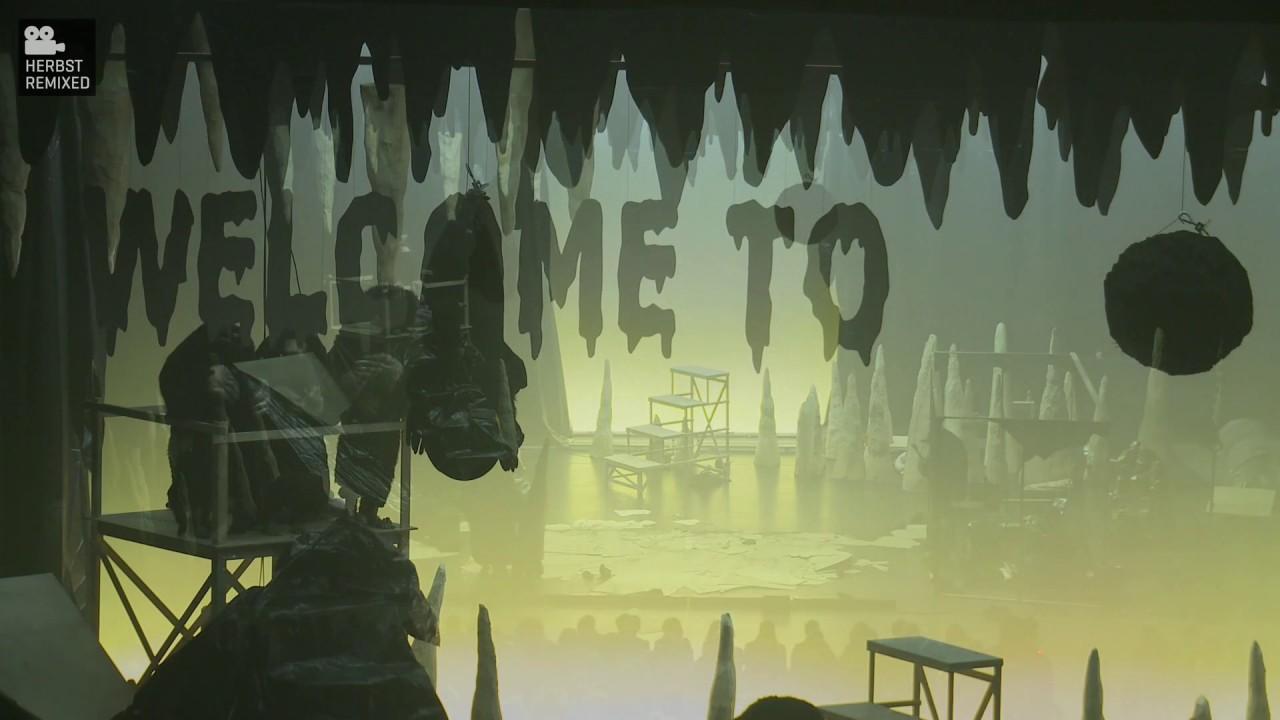 Philippe Quesne: Die Nacht der Maulwürfe Welcome to Caveland!