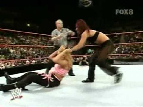 Mercedes Martinez Vs. Victoria - WWE Heat 6/12/06 *RARE*