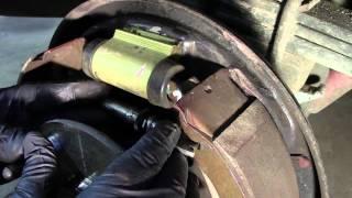 Drum brake shoe removal