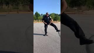 The dancing cop #thegitupchallenge IG: @IAm.MrBenton Video