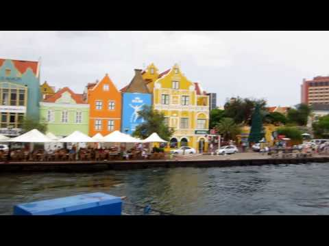 Cruise Port CURACAO: Floating Bridge - Queen Emma Pontoon Bridge