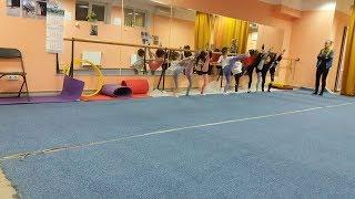 Первый Урок по Художественной Гимнастике для детей 3-4-5 лет Children in rhythmic gymnastics