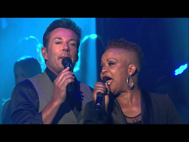 Laat me alleen | Ruth Jacott & Gerard Joling | Holland zingt
