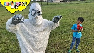 YETI in our house | Scary giant monster attack battle ape gorilla king kong kids