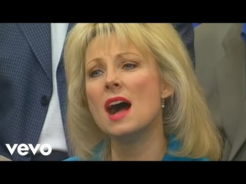Bill & Gloria Gaither - Redeemed [Live] ft. Guy Penrod, Karen Peck, Squire Parsons