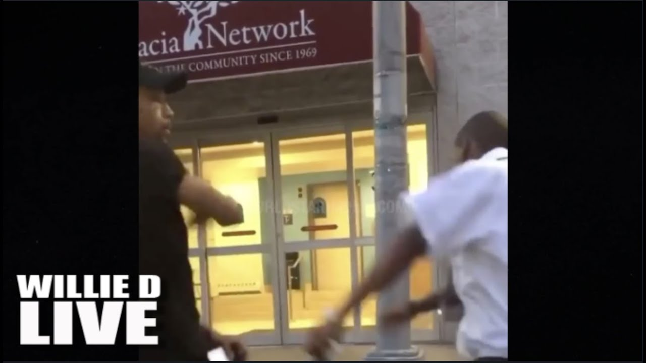 Download Dude Slaps A Security Guard Wobbly For Trying To Talk To His Chick On The Slick