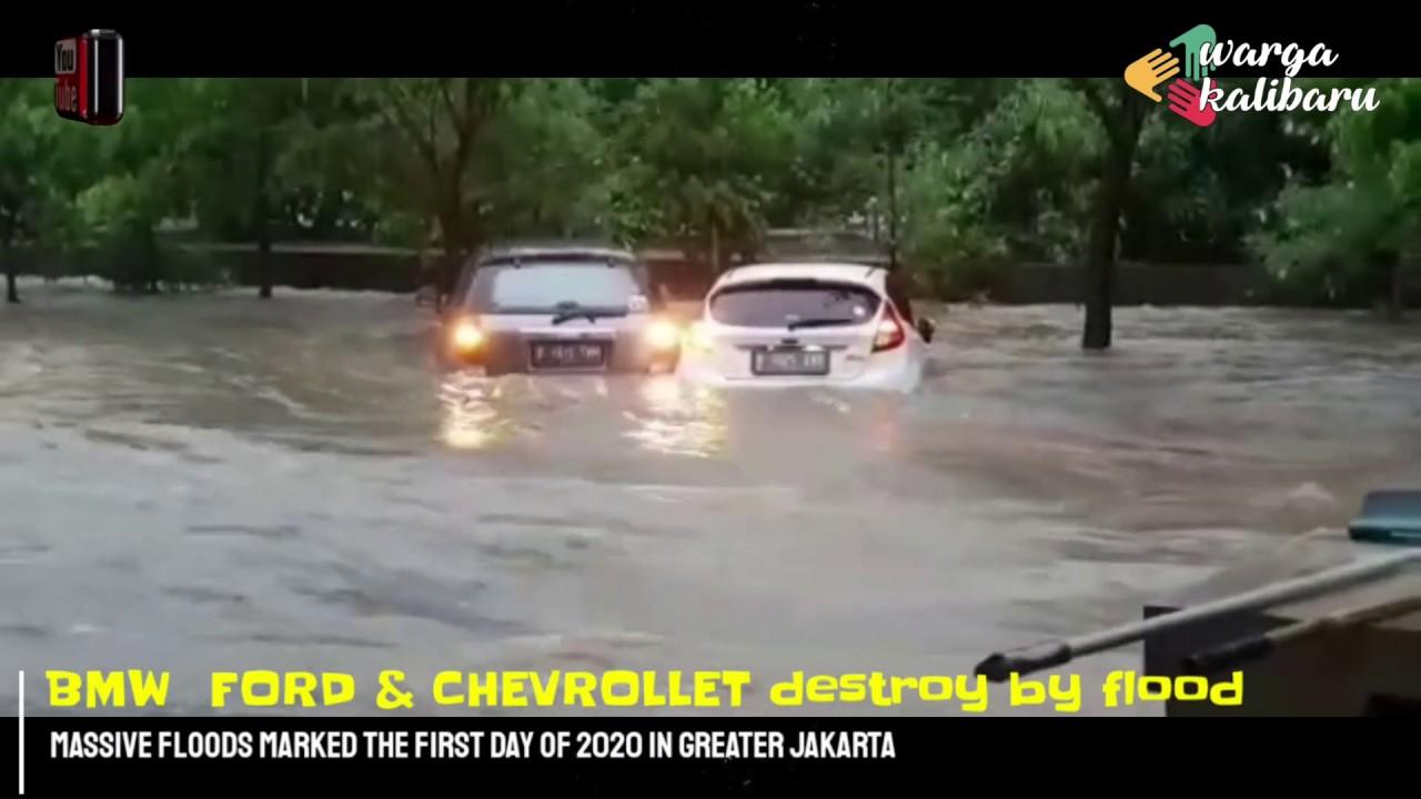 (INDONESIA, JAKARTA, 01 Jan 2020) BMW destroy by Flood