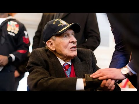 Thomas Hudner Jr., Medal of Honor recipient, dies at his Concord home at 93