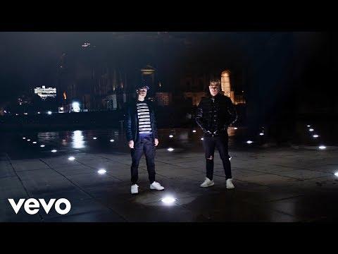 Artus Weichert - Burnout ft. Kyle Hoss (Official Music Video)