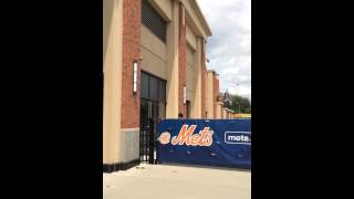 Mets Matt Harvey Blowing Off Fans HD