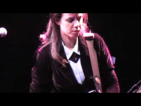 Rona Kenan רונה קינן - Hamraot venehitot המראות ונחיתות - Live in Herzliya (2/10)